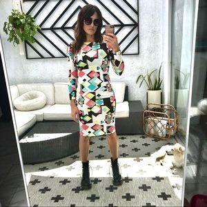 Dresses & Skirts - Geo pattern midi tight dress